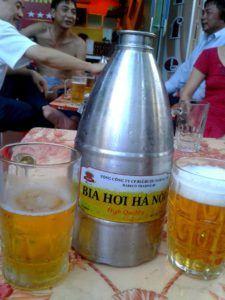 Cerveza Bia Hoi, un icono de Vietnam