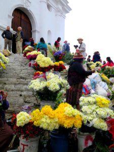 Iglesia de Santo Tomas, mercado de Chichicastenango, Guatemala