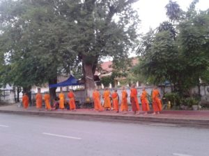 Ceremonia de entrega de Limosnas, Luang Prabang