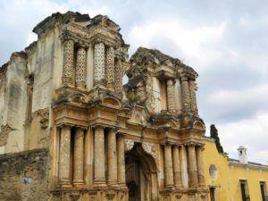 Fachada de la Iglesia de Nuestra Señora del Carmen, Antigua Guatemala