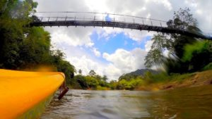 Cruzamos la Selva de Borneo (Malasia) en kayak