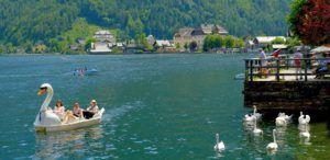 Paseos en barca o en cisne por Halstatt