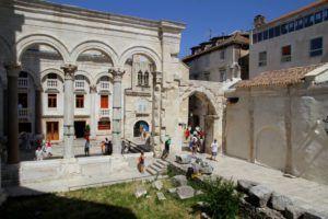 Peristillo del Palacio de Diocleciano, Split, Croacia