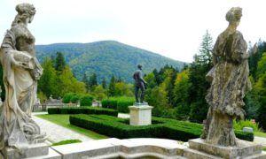 Jardines del Castillo de Peles, Rumanía