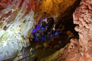 Cuevas de Vrelo, Macedonia