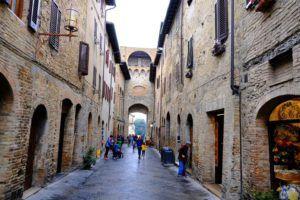 Puertas de San Giovani, San Gimignano