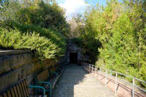 Entrada de la replica de la Tumba Tracia de Kazanlak, Bulgaria