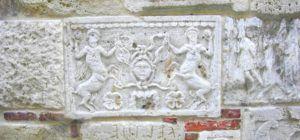 Palazzo Bucelli, tumba etrusca
