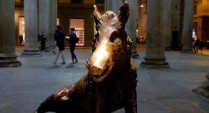 Fontana del Porcellino, buscando la suerte en Florencia