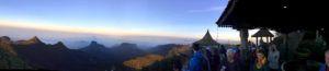 Ver amanecer en la cima del Adam´s Peak