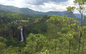 En tren por las Tierras Altas de Sri Lanka, de Nuwara Eliya a Haputale