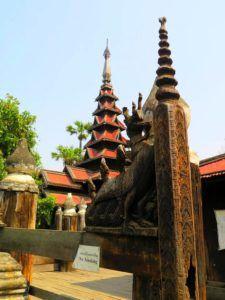 Monasterio de madera de teca Bagaya Kyaung, Inwa