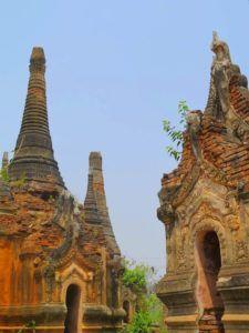 Stupas Nyaung Ohak, Lago Inle, Myanmar