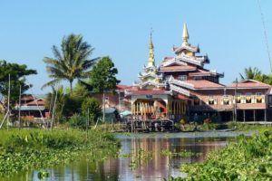 Pagoda Phaung Daw Oo Paya