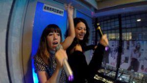 Nómadas en un Karaoke de Shibuya