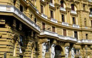 Nápoles, Piazza Nicola Amore