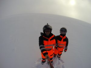 En motos de nieve por Myrdalsjokull