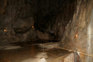 Cueva hospital (Quang Y), Isla de Cat Ba, Vietnam
