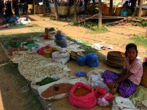 Mercado de los cinco días del Lago Inle