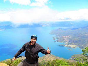 Vistas del Lago Atitlan desde el Volcan San Pedro