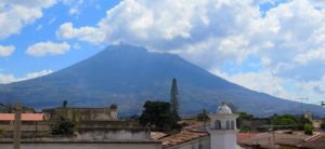 Vistas desde Three Monkeys Hostel, Antigua Guatemala