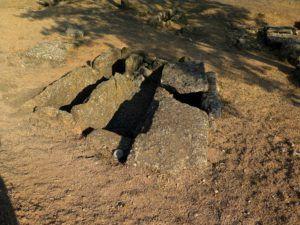 Una de las tumbas de la Necrópolis de Segóbriga