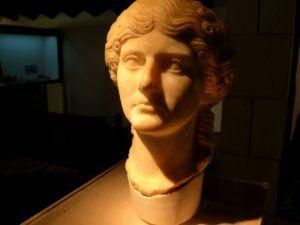 Busto encontrado en las ruinas de Segóbriga, Cuenca