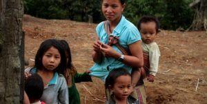 Trekking étnico visitando a los Akha, Laos