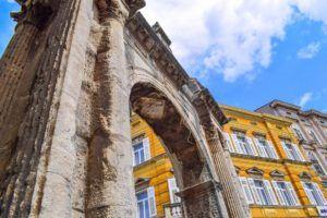 Puerta del Oro de Pula, Istria, Croacia