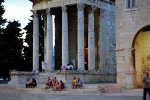 Foro y el Templo de Augusto, Pula, Istria
