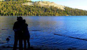 Nómadas admirando las maravillas de Yosemite
