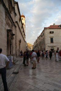 Entrada a la ciudad vieja desde la Puerta Pile