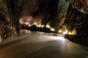 Cañón subterráneo de 146 metros, Cuevas de Skocjan, Eslovenia
