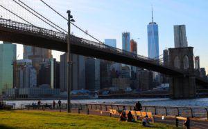 Puente de Brooklyn desde el Parque Dumbo, New York