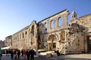 Puerta de plata del Palacio de Diocleciano