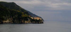 Vistas de Maranola desde Corniglia, Cinque Terre, Italia