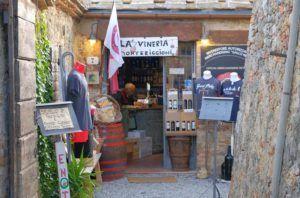 Pequeña tienda de Monteriggioni