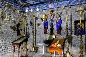 Interior Iglesia de la Virgen Maria en el Monasterio de Troyan