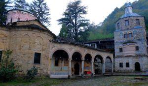 Iglesia de la Virgen Maria en el Monasterio de Troyan
