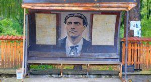 Representación de Vasil Levski en una parada de autobus