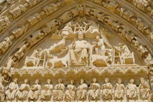 Detalle de la puerta de entrada a la Catedral de Burgos, un imprescindible qué ver