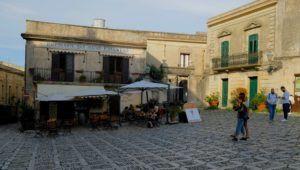 Piazza della Loggia, qué hacer en Erice