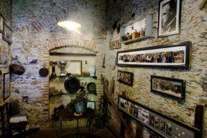 Interior del Bar Vitelli de Savoca, Sicilia