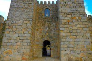 Entrada al Castillo Alcazaba de Trujillo