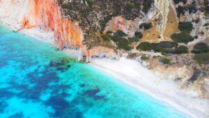 Voudia Beach, qué ver en Milos (Grecia). Las mejores playas