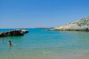 Alogomandra Beach, qué ver en Milos (Grecia). Las mejores playas